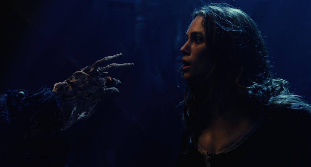 elizabeth-swann-curse-of-the-black-pearl-pirates